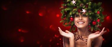 Acconciatura di Natale Trucco di festa Immagini Stock