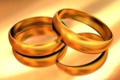 Accoppiamenti degli anelli di cerimonia nuziale dell'oro Fotografie Stock Libere da Diritti