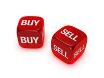 Accoppiamenti dei dadi rossi traslucidi con il buy, segno di vendita Immagini Stock Libere da Diritti