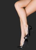 Accoppiamenti dei piedini femminili bei Fotografie Stock