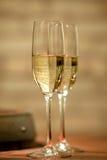 Accoppiamenti dei vetri di vino bianco Fotografia Stock Libera da Diritti