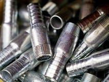 Accoppiamenti dell'acciaio inossidabile per l'acqua di pressione immagini stock