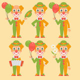 Accordéon de Holding Balloons Flowers de clown Photographie stock