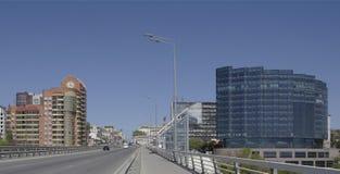 Accorder la voiture de voyage de pont de Voroshilovsky sur la perspective Voroshil images stock