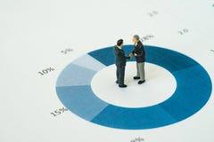 Accordo o affare per successo di affari con businessme miniatura Immagine Stock