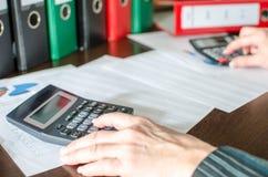 Accountant op het werk royalty-vrije stock afbeeldingen