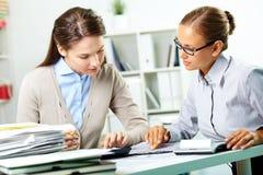Accountants op het werk Royalty-vrije Stock Afbeeldingen