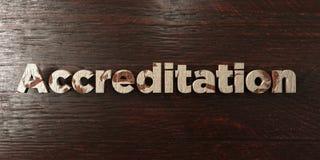Accréditation - titre en bois sale sur l'érable - image courante gratuite de redevance rendue par 3D Images stock