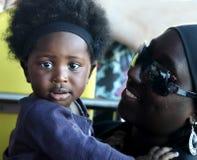 ACCRA, GHANA - 1. Juli 2014 Nicht identifiziertes ghanaisches kleines Baby Stockbild