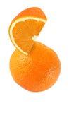 Accrochant, morceau tombant, planant et volant de fruits oranges Photographie stock libre de droits