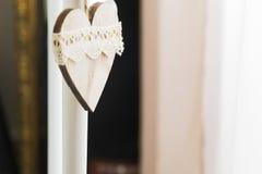 Accrocher en bois de coeur Image stock