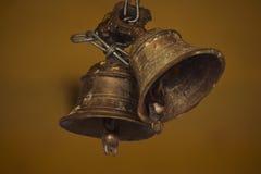 Accrocher sain accrochant de temple de couleur de fer de ruban de cloche image stock
