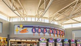Accueil de ` au signe de ` de Las Vegas, terminal d'aéroport de McCarran Internalional Photo stock
