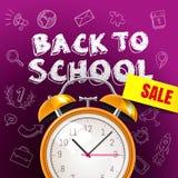 Accueil de nouveau au fond de vente d'école avec le réveil et le blac Photo libre de droits