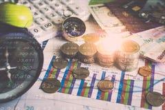 Accumulatie van toekomstige fondsen met de grafiek van de effectenbeursinformatie Stock Foto