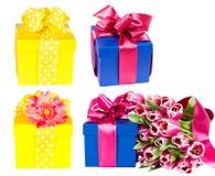 Accumulazione dei contenitori di regalo Immagini Stock