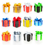 Accumulazione dei contenitori di regalo di colore con i nastri Immagini Stock Libere da Diritti