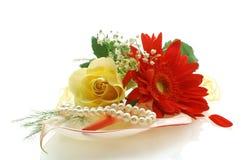 Accumulazione dei fiori con perls Fotografia Stock Libera da Diritti