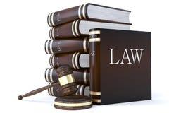 Accumulazione dei libri e del martelletto di legge Fotografia Stock