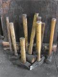 Accumulazione dei martelli del fabbro Fotografie Stock