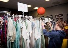 Accumulazione dei vestiti Fotografia Stock Libera da Diritti