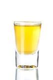 Accumulazione del cocktail del colpo: Tequila dell'oro Fotografie Stock
