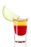 Accumulazione del cocktail del colpo: Tequila rosso Fotografia Stock