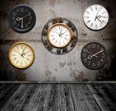 Accumulazione dell'orologio di parete Immagine Stock Libera da Diritti
