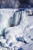 Accumulazione di ghiaccio del cascate del Niagara, un inverno di 2015 Immagini Stock Libere da Diritti