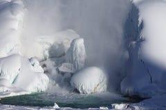 Accumulazione di ghiaccio del cascate del Niagara, un inverno di 2015 Fotografie Stock