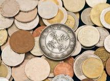 Accumulazione di varie monete Fotografia Stock Libera da Diritti