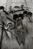 Accumulazione di vecchie forbici Fotografia Stock Libera da Diritti