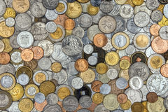 Accumulazione di vecchie monete Immagini Stock