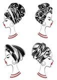 accumulazione Profilo di una signora dolce Sulla testa di una ragazza afroamericana è uno scialle tricottato, un turbante La donn royalty illustrazione gratis