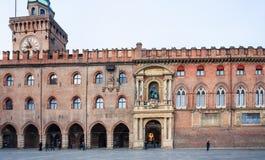` Accursio Palazzo d auf Marktplatz Maggiore im Bologna Stockfoto