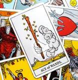 Ace de la commande inspirée créative initiatique de carte de tarot de baguettes magiques, ambition, aventure, Excitemen illustration libre de droits