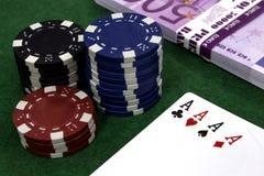 Ace, dinheiro, microplaquetas de pôquer Foto de Stock