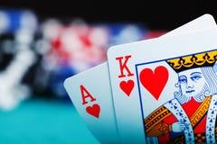 Ace en koning met het gokken van spaanders Stock Fotografie
