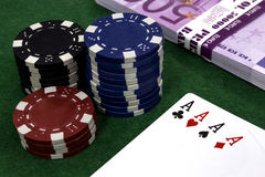 Ace, Geld, Pokerchips Stockfoto