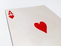 Ace-Herz-Karte mit weißem Hintergrund Lizenzfreies Stockbild