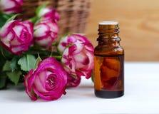 Aceite color de rosa esencial Imagen de archivo libre de regalías