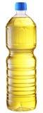 Aceite de cocina en una botella plástica. fotos de archivo