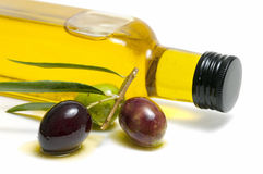 Aceite de oliva del primer Imagen de archivo libre de regalías