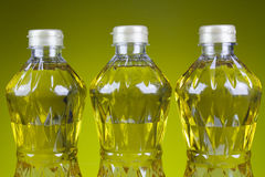 Aceite de tres botellas de la oleína refinada de la palma del pericarpio Fotos de archivo libres de regalías