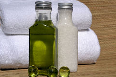 Aceite del masaje Fotografía de archivo libre de regalías