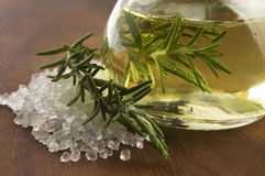 Aceite esencial con romero y sal Imágenes de archivo libres de regalías
