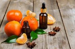 Aceite esencial de la mandarina orgánica Fotos de archivo