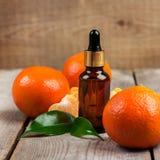 Aceite esencial de la mandarina orgánica Foto de archivo