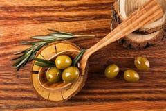 Aceite y aceitunas de oliva Imagenes de archivo