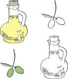 Aceite y aceitunas de oliva en la rama Imagen de archivo